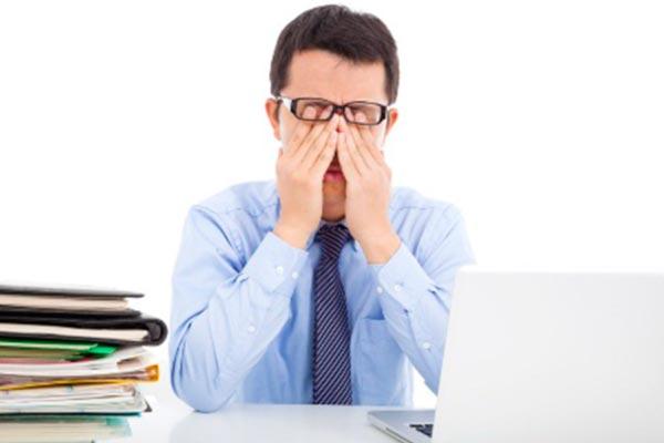 10 pasos para aliviar el cansancio en tus ojos